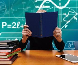 Prawo autorskie w edukacji – o czym pamiętać wracając do szkoły